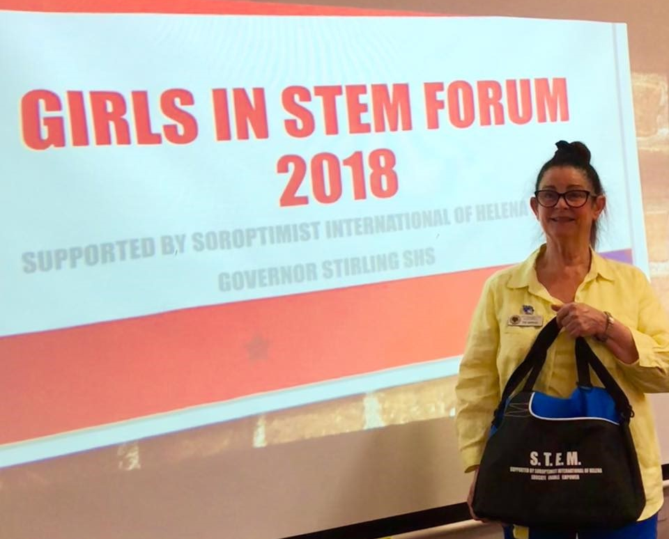 SI HELEna Girls in STEM